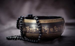 Buddhistische Bestattung - Eine Kette mit schwarzen Perlen 数珠