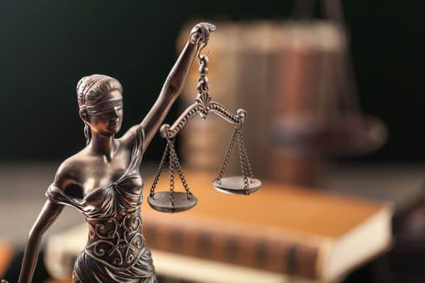 Erbrecht Justitia - die gesetzliche Erbfolge