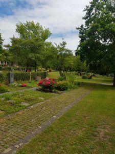 Waldfriedhof Gerlingen Blumengrab